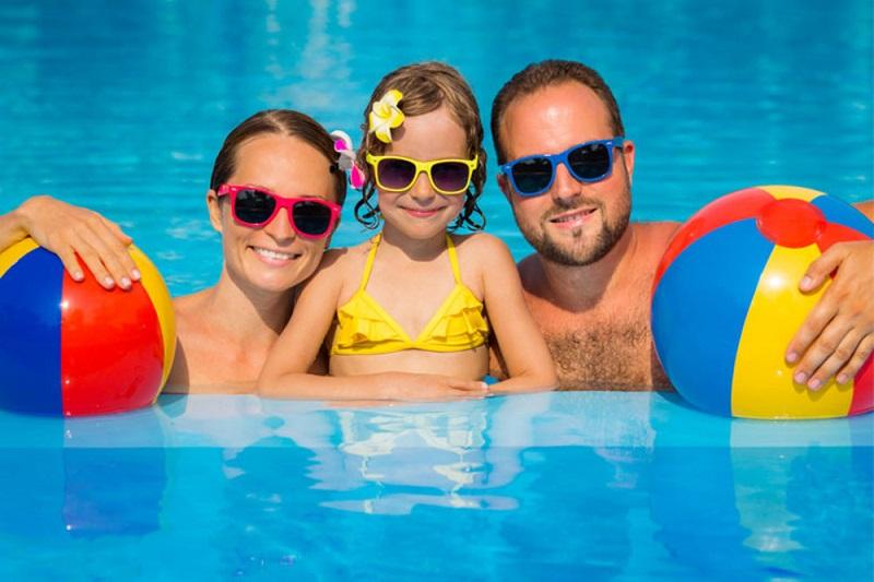Frissítő, nyári fürdőzés Cserkeszőlőn!